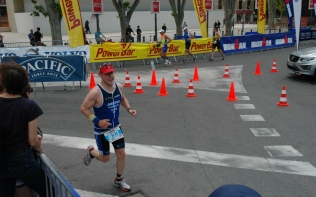 Andy Hamilton coming into the finish